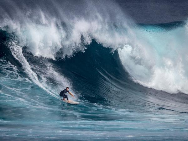 3G Surfer, La Santa by Vittorio Silvestri